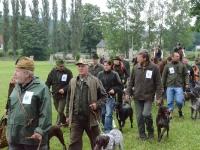 Konrad z psami w stawce wystawców