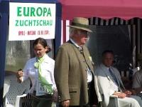 Claus Kiefer wtedy szef Światowego i Niemieckiego Klubu Wyżła Krótkowłosego - sędzia główny zawodów.