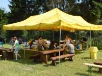 A to już namiot z zapleczem kuchennym przy stawie gdzie oceniana jest praca na wodzie i dohledavki