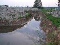 Rok 2001 - Północna, wąska przewiązka widać charakter wydobytej góry ziemi