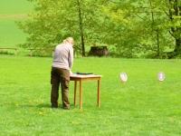 Martina rozstawia stolik dla sędziów