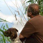 Pan i pies (suka) - zaduma nad wodą